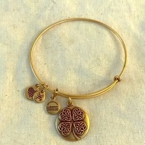 New Alex and  Ani Gold Four Leaf Clover Bracelet